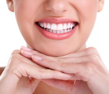 Dr.David Spilkia Dentist in Philadelphia, PA provides clear alternatives to traditional metal braces