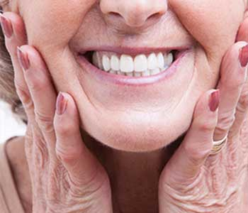 Dr.David Spilkia Philadelphia dentist offers tooth replacement options and quality denture repair
