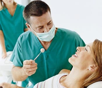 Dr.David Spilkia Dentist's guide to the first signs of gum disease