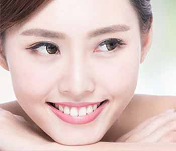 Dr.David Spilkia Dentist in Philadelphia, PA offers teeth whitening with the KöR Deep Bleaching System